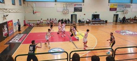 https://www.basketmarche.it/resizer/resize.php?url=https://www.basketmarche.it/immagini_campionati/22-05-2021/1621711104-454-.jpg&size=444x200c0