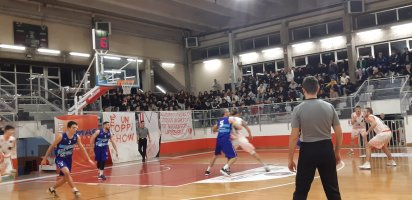 https://www.basketmarche.it/resizer/resize.php?url=https://www.basketmarche.it/immagini_campionati/22-12-2019/1577043522-321-.jpeg&size=412x200c0