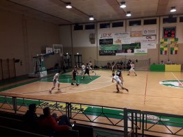 https://www.basketmarche.it/resizer/resize.php?url=https://www.basketmarche.it/immagini_campionati/23-03-2019/1553333284-444-.jpeg&size=267x200c0