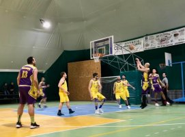 https://www.basketmarche.it/resizer/resize.php?url=https://www.basketmarche.it/immagini_campionati/25-02-2019/1551088486-349-.jpeg&size=271x200c0