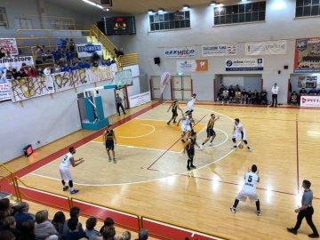 https://www.basketmarche.it/resizer/resize.php?url=https://www.basketmarche.it/immagini_campionati/25-11-2018/1543171568-451-.jpeg&size=360x270c0