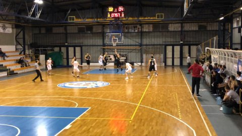 https://www.basketmarche.it/resizer/resize.php?url=https://www.basketmarche.it/immagini_campionati/26-01-2019/1548491603-48-.jpeg&size=480x270c0