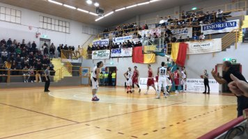 https://www.basketmarche.it/resizer/resize.php?url=https://www.basketmarche.it/immagini_campionati/26-01-2020/1580059936-500-.jpg&size=356x200c0