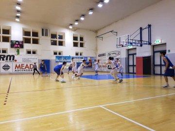 https://www.basketmarche.it/resizer/resize.php?url=https://www.basketmarche.it/immagini_campionati/27-02-2019/1551300361-36-.jpg&size=360x270c0