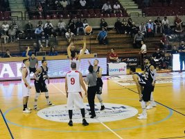 https://www.basketmarche.it/resizer/resize.php?url=https://www.basketmarche.it/immagini_campionati/29-09-2019/1569781034-198-.jpeg&size=267x200c0